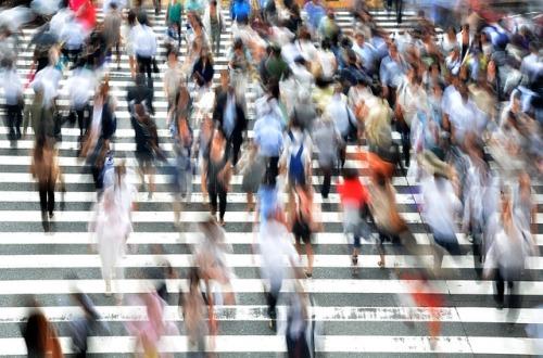 pedestrians-400811_640